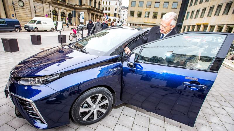 Nikolaus Schues este primul client de Toyota Mirai din Europa