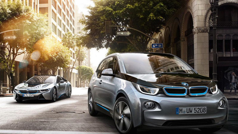 BMW i3 și i8 sunt disponibile și în România