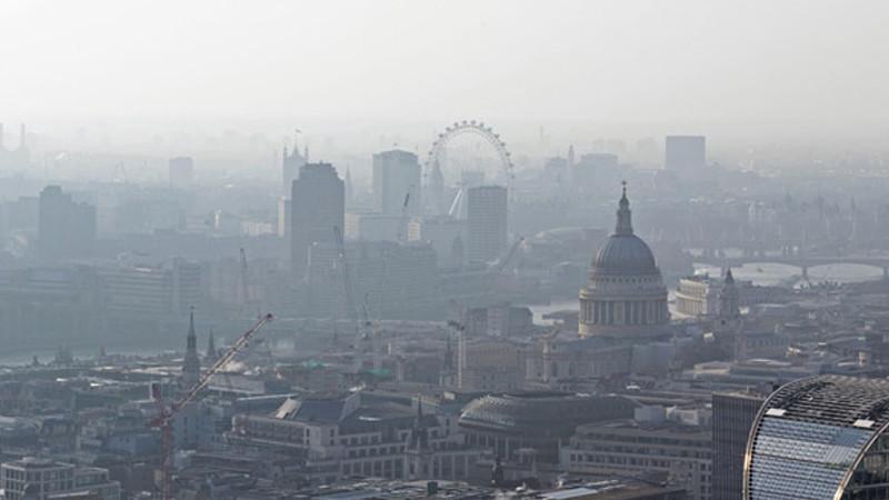 Londra vrea să interzică mașinile cu motoare diesel