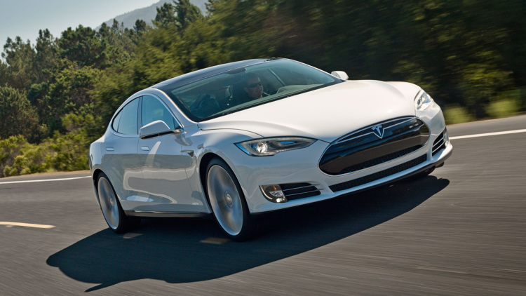 Încărcarea wireless debutează pe Tesla Model S