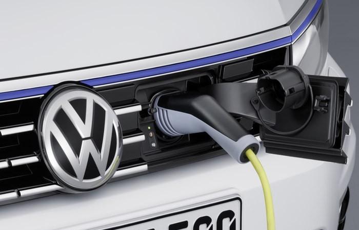 Olanda vrea să interzică mașinile cu motoare convenționale din 2025