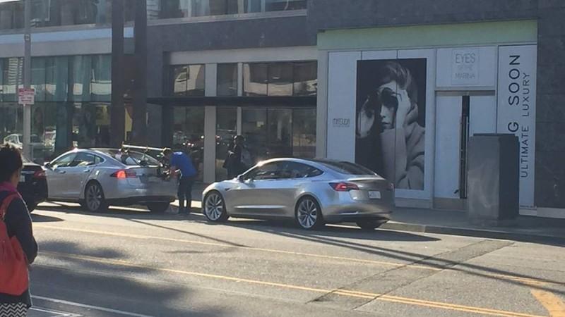 Tesla Model 3 – Primele imagini de pe șosea