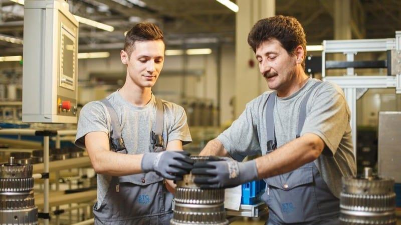 Daimler pune pe linia de producție de la Sebeș cutia 9G-Tronic