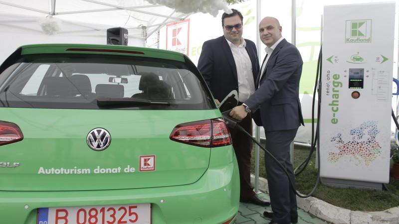 Kaufland amplasează în parteneriat cu Renovatio o rețea de stații de încărcare pentru mașinile electrice din România