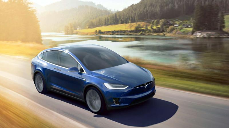 Tesla Model X 70D iese din ofertă. În locul său a fost introdusă versiunea 75D