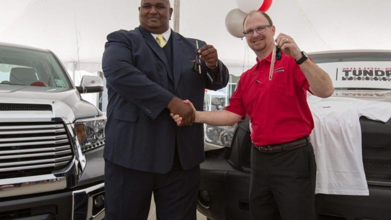 O Toyota nouă pentru o Tundra cu un milion de mile