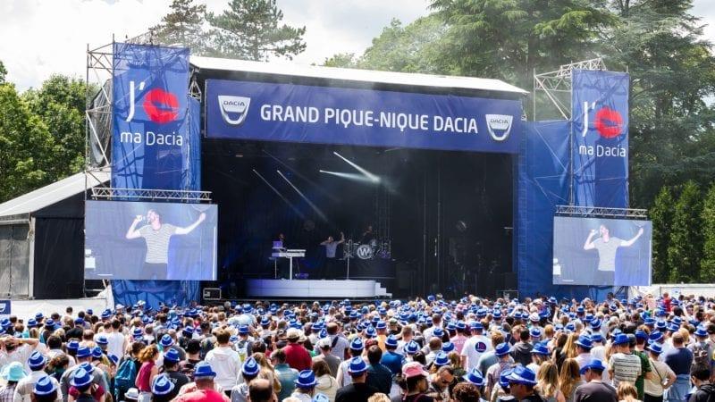 Peste 11.000 de participanți la Marele Picnic Dacia 2016