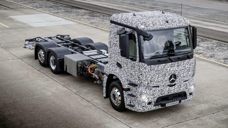 Mercedes-Benz prezintă camionul electric. Autonomie de 200 de kilometri