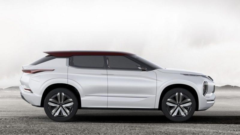Mitsubishi vine la Paris cu GT-PHEV