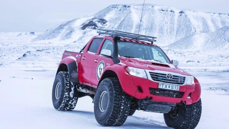 Nokian și Arctic Trucks lansează anvelopa Hakkapeliitta 44, un nou vârf de gamă în rândul pneurilor de iarnă destinate expedițiilor montane extreme