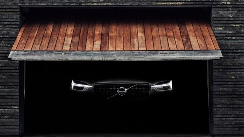 Volvo XC60 cufundat în mister în prima imagine teaser