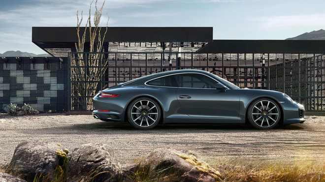 Porsche nu-și mai bate capul cu un 911 hibrid