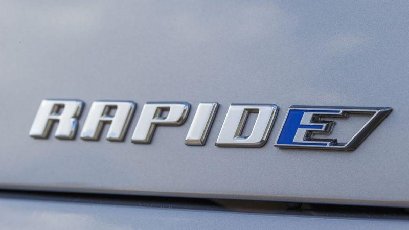 Versiunea de serie a lui Aston Martin RapidE vine în 2019