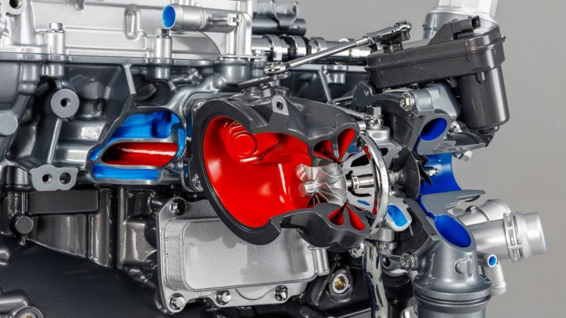 Jaguar oferă un motor 2.0 benzină de 300 de cai
