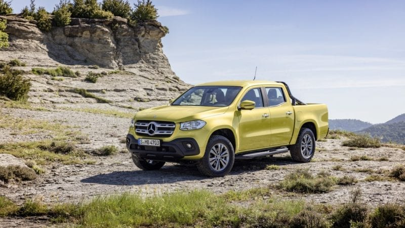 Mercedes-Benz n-are scrupule și lansează X-Class, primul pick-up din segmentul premium