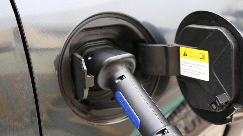Poliția Locală din București vrea să cumpere 11 mașini electrice și hibride