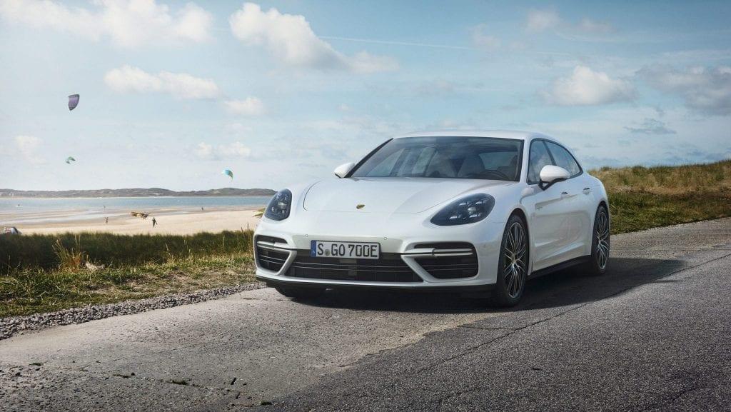 Porsche Panamera Turbo S E-Hybrid Sport Turismo este un familist eco de 680 de cai