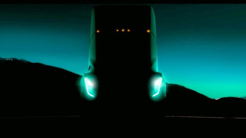 Pe 26 octombrie vom vedea primul cap-tractor Tesla