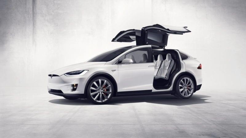 11.000 de exemplare Tesla Model X sunt rechemate în service