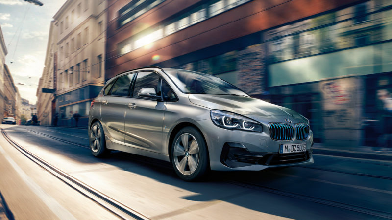 Cea mai mare flotă de hibride livrată până acum în România de BMW: 7 exemplare 225xe iPerformance Active Tourer