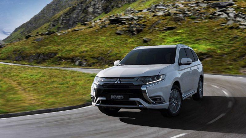 Mitsubishi a prezentat Outlander PHEV facelift