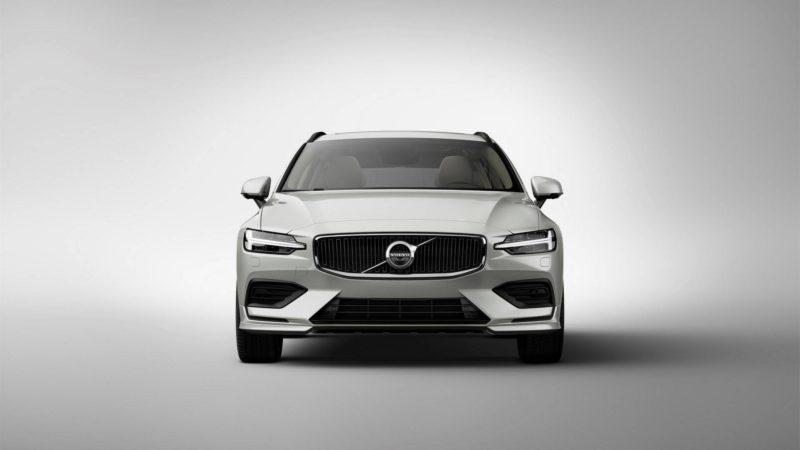 Volvo V60 a fost prezentat oficial și oferă versiuni PHEV