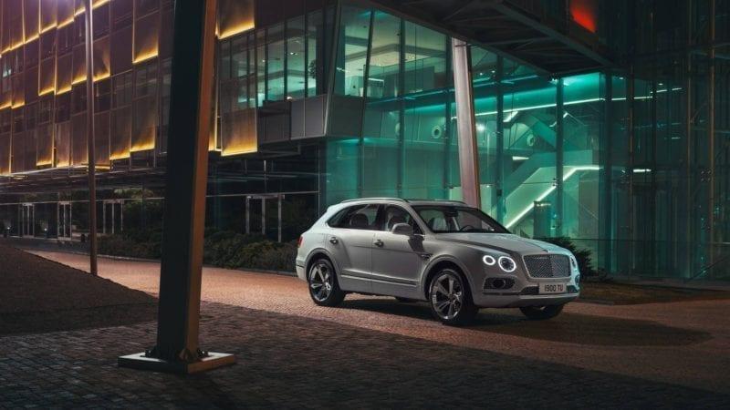 Bentley a prezentat noul Bentayga PHEV