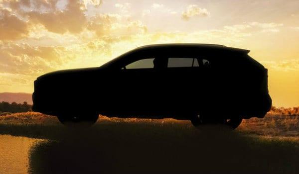 Prima fotografie teaser cu viitoarea generație Toyota RAV4