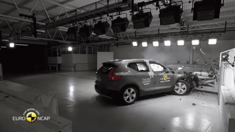 Volvo XC40 a primit 5 stele la testele EuroNCAP
