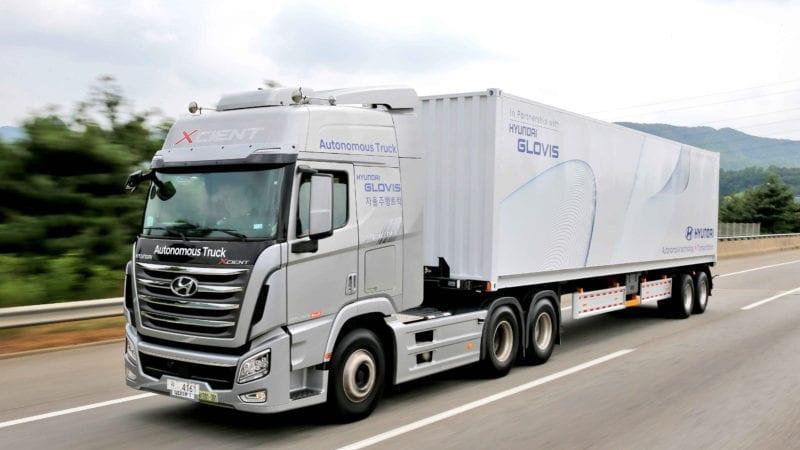 Hyundai a incheiat cu succes primul test cu un camion autonom