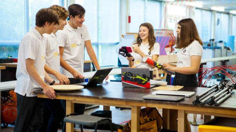 Renault susține echipa României la competiția internațională F1 In Schools