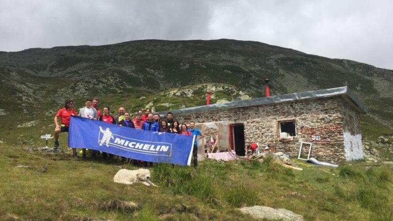 Inițiativă Michelin România în Iezer Păpușa – reamenajarea refugiului și marcarea traseelor