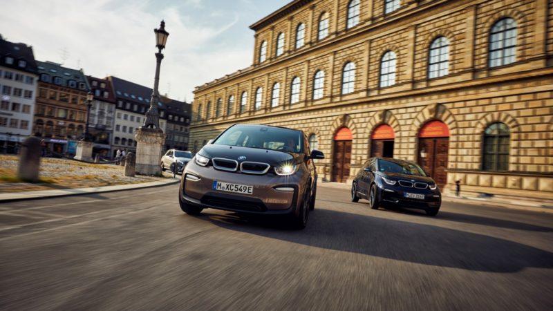 Baterii de capacitate mai mare, mai multă autonomie şi proprietăţi sportive specifice pentru BMW i3 și i3 S