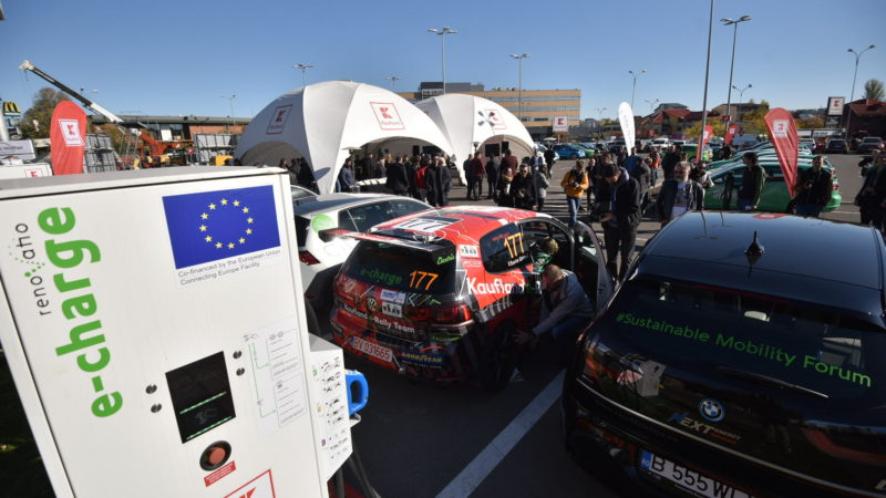 Kaufland și Renovatio inaugurează primul hub de încărcare rapidă pentru automobilele electrice din România și Europa de Est