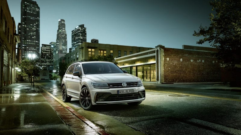 Volkswagen Tiguan poate fi comandat și cu pachetul Black Style R-Line