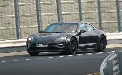 Video – Porsche testează viitorul Taycan pe circuit