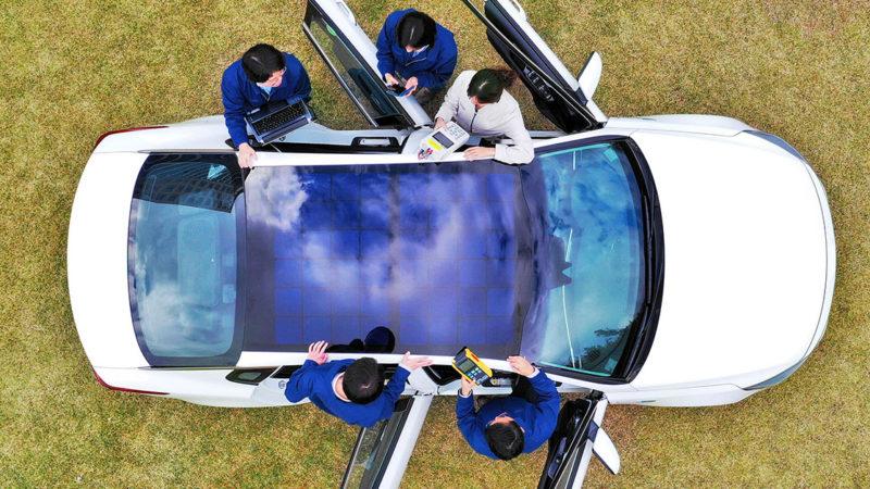 Kia și Hyundai dezvăluie tehnologia de încărcare cu panouri solare destiantă viitoarelor automobile eco