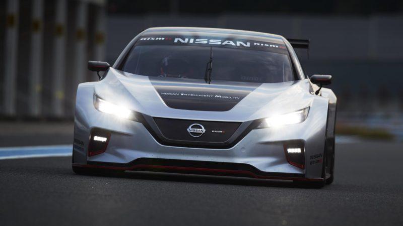 Nissan a prezentat noul Leaf Nismo RC, o versiune destinată circuitului cu 320 CP