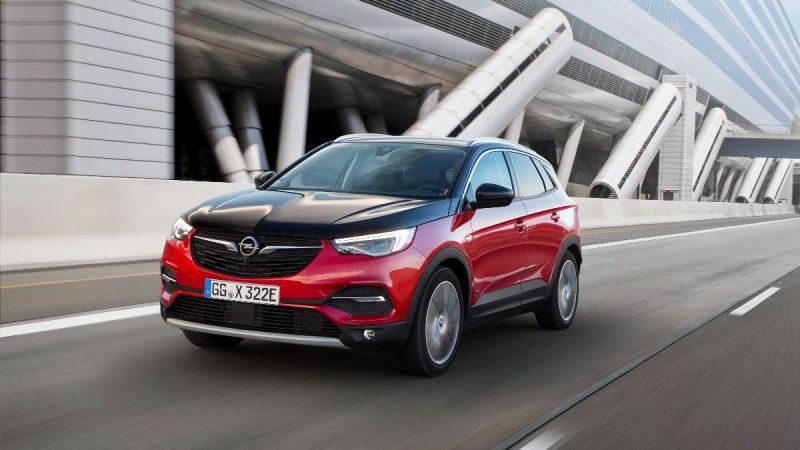 Opel Grandland X primește o versiune plug-in hybrid cu 300 CP și tracțiune integrală