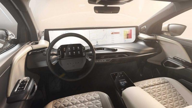 Fotografii cu interiorul lui M-Byte, viitorul SUV electric produs de chinezii de la Byton