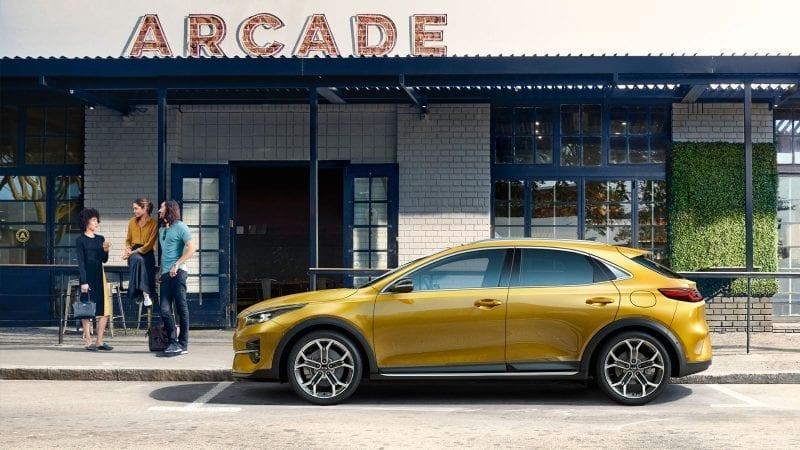 Kia a prezentat crossover-ul XCeed, un model compact gândit ca o alternativă pentru SUV-uri