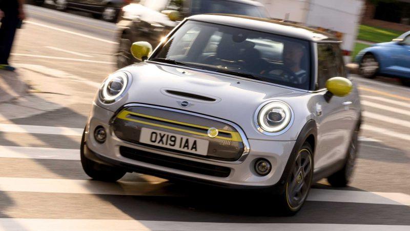 Mini a prezentat noul Mini Hatch Electric cu motor de 184 CP și autonomie de până la 270 de kilometri