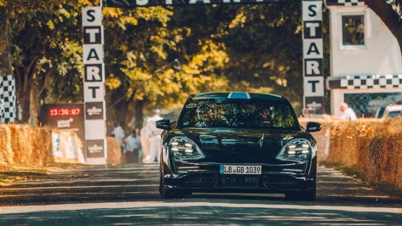 Imagini noi cu prototipul lui Porsche Taycan, primul electric de serie al constructorului german