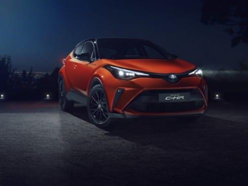 Toyota C-HR a primit o motorizare nouă și sistem de infotainment compatibil cu Apple CarPlay și Android Auto