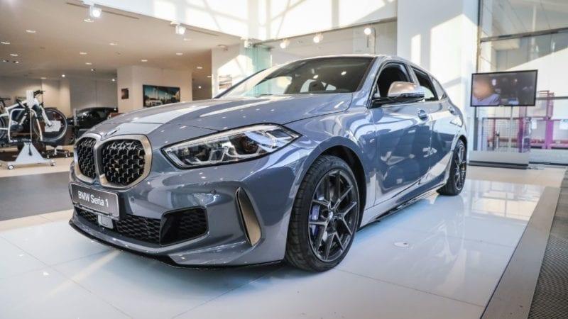 Noul BMW Seria 1 a debutat în România. Modelul de clasă compactă propune și versiuni cu sistem de tracțiune integrală xDrive