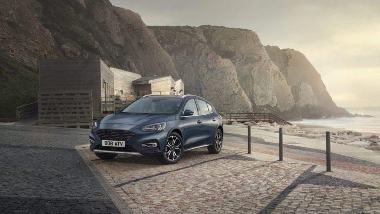Ford Focus Active X Vignale, variantă cross cu apucături premium
